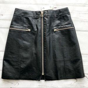 River Island Black Faux Leather mini skirt zipper